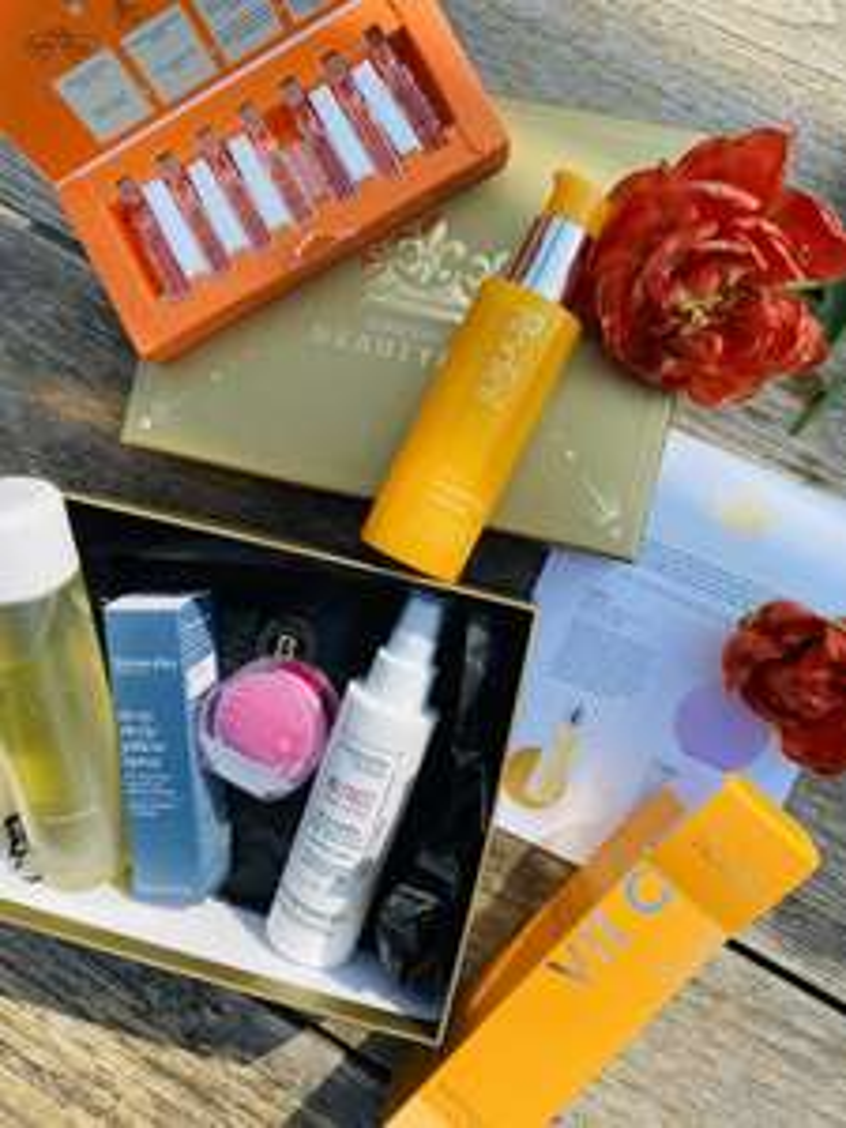 Royal Box (beautyproducten)twv €221,80 tijdelijk voor €55 @ Lookfantastic