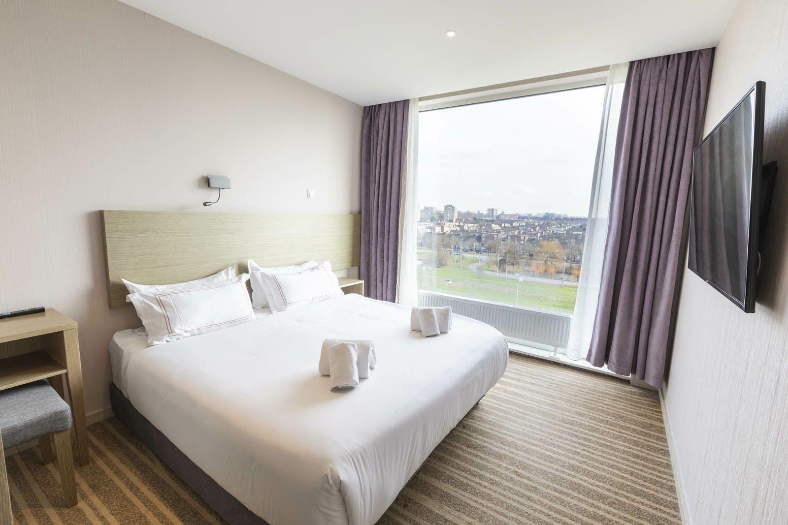 Kamer gezocht? Hotel in Osdorp Amsterdam zet kamers op funda (€ 1000 per maand, inclusief eten en schone handdoeken)