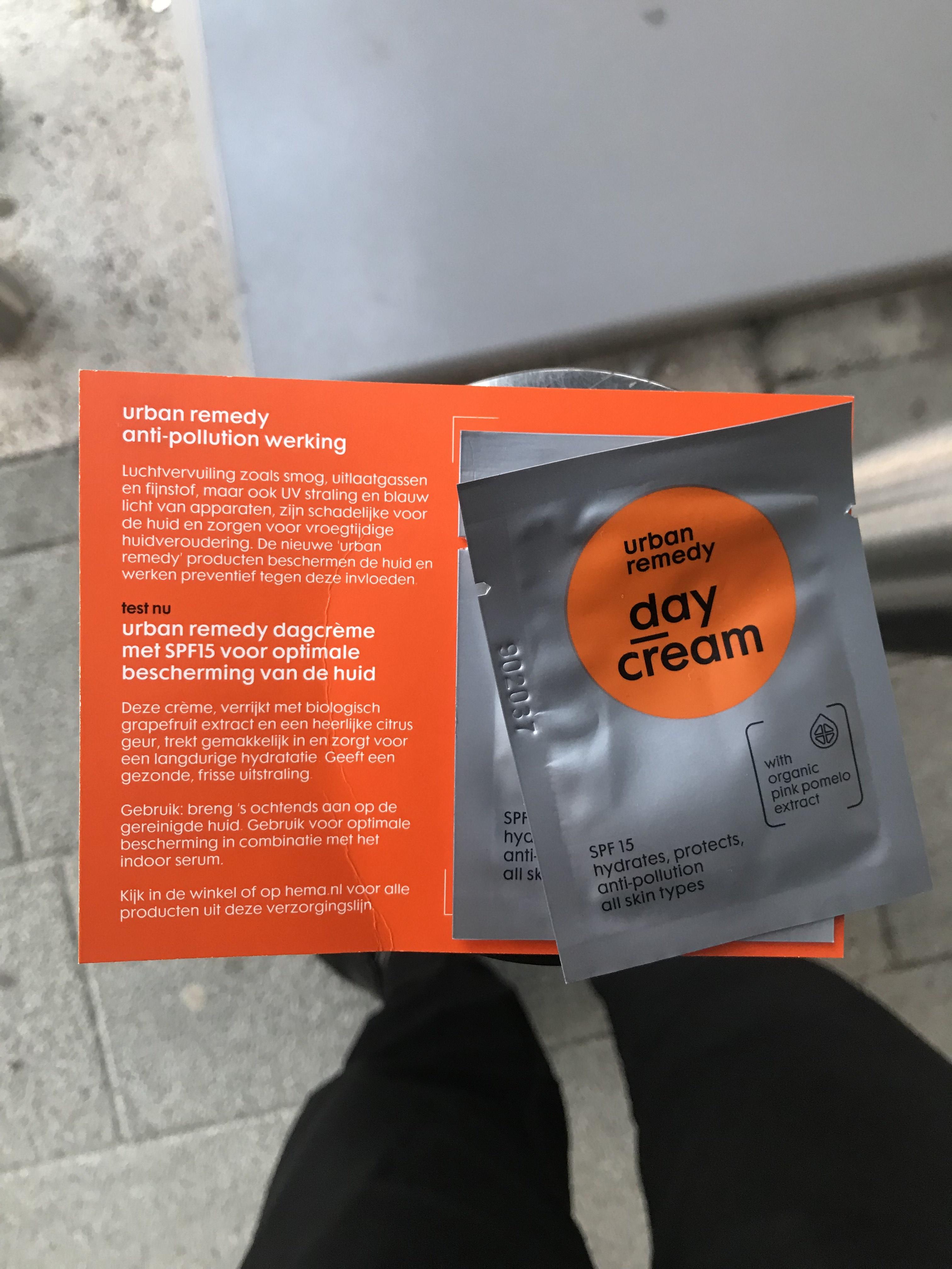 [Utrecht CS] Proefsachet Hema dagcrème