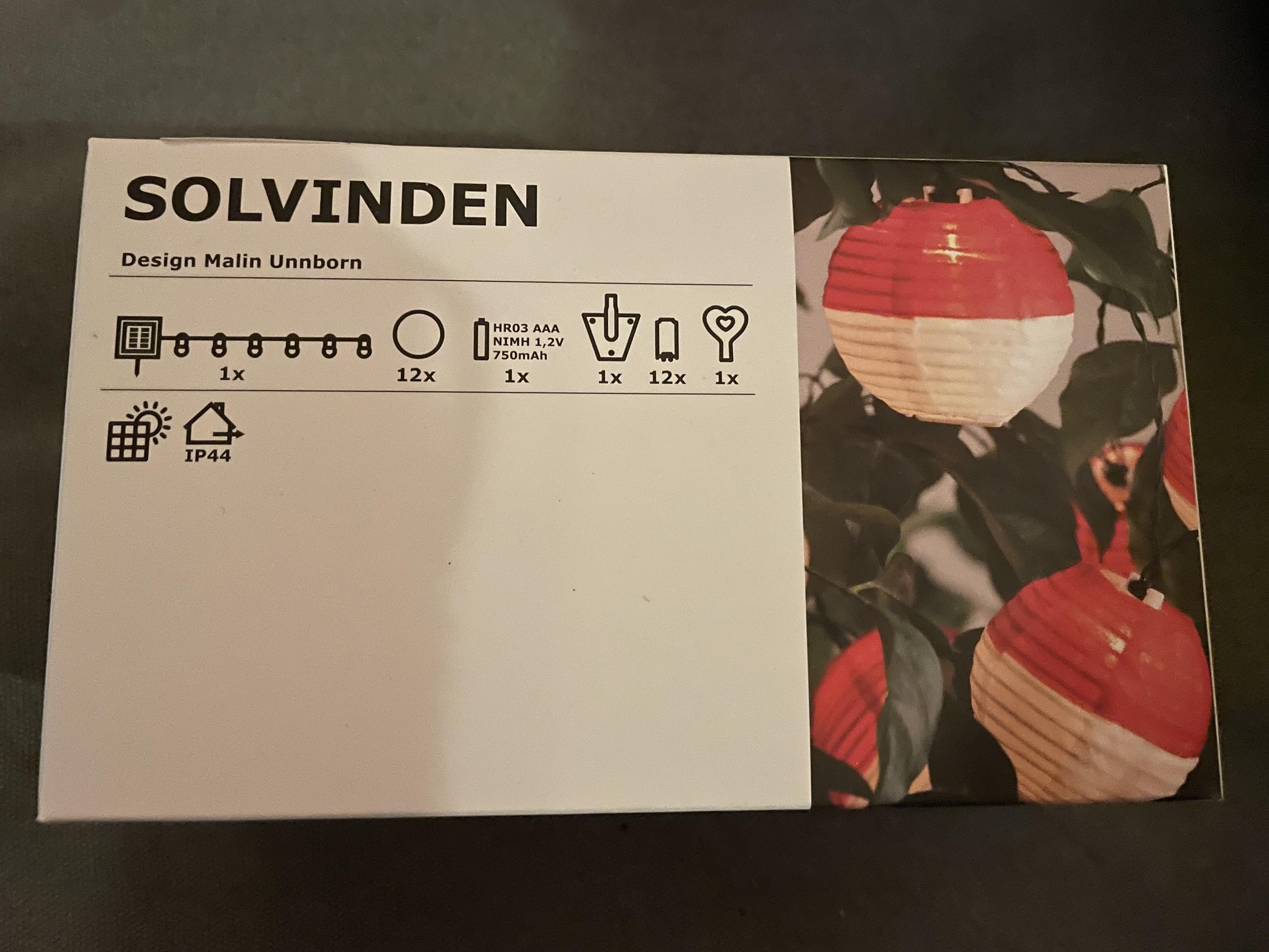 Ikea Solvinden 12 lamps led-verlichtingsnoer wit rood met zonnepaneel @Ikea Duiven