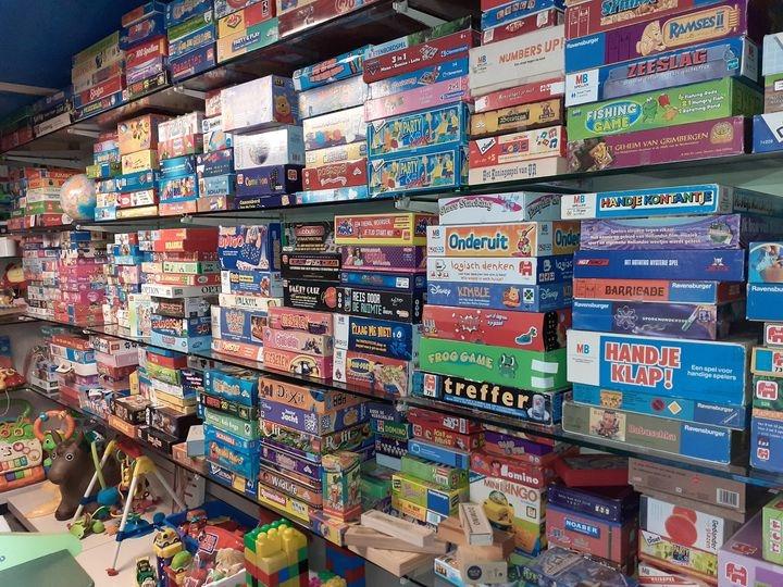 [LOKAAL] Garage vol gratis speelgoed voor mensen met kleine beurs [Deurne naast Helmond]