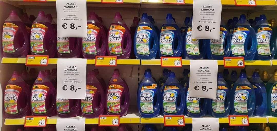 Lokaal - Prijsmepper Geleen - Witte/Color Reus Vloeibaar - 140 Wasbeurten €8