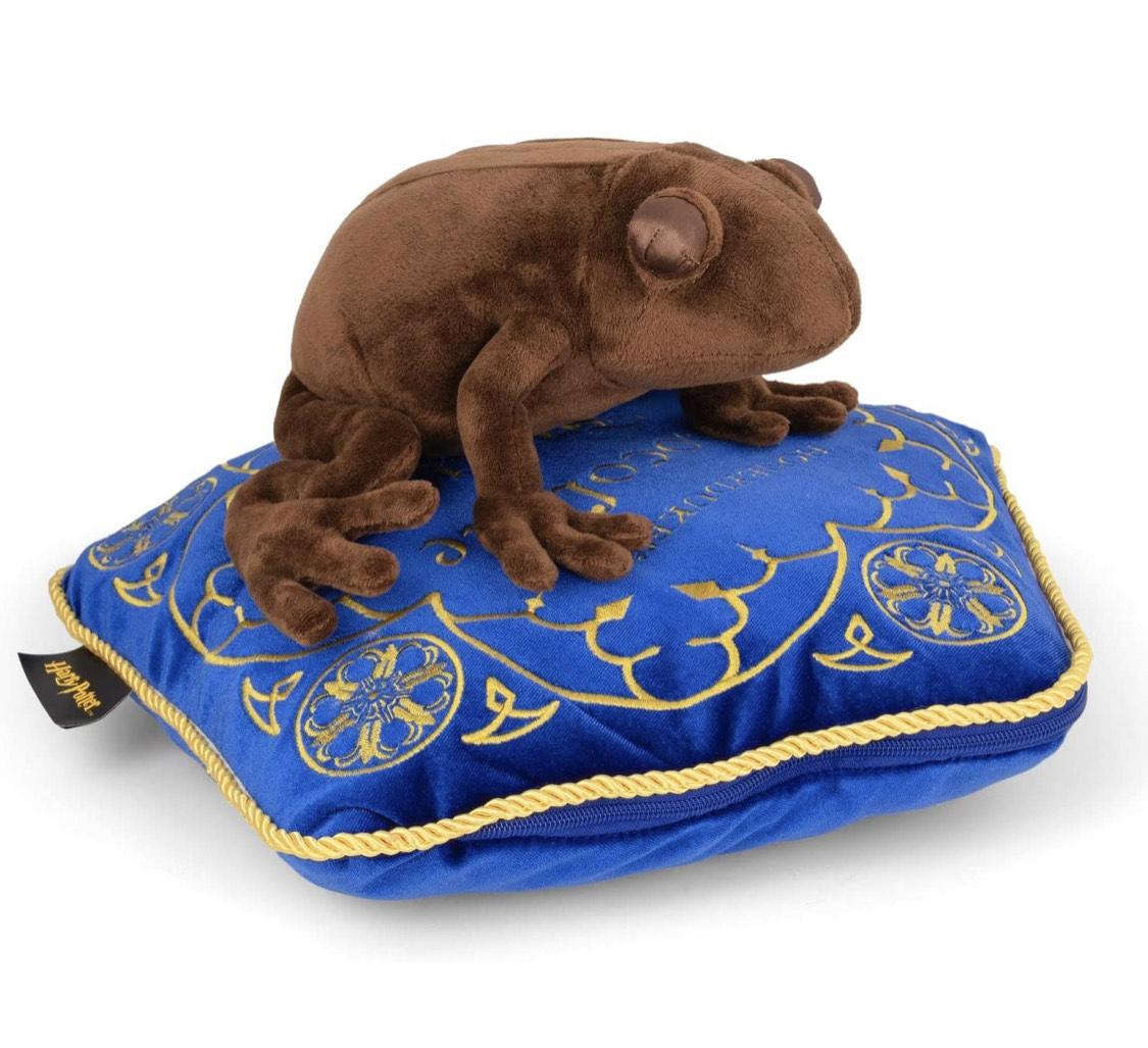 [Prijsfout] Chocolate Frog & Pillow (36cm)