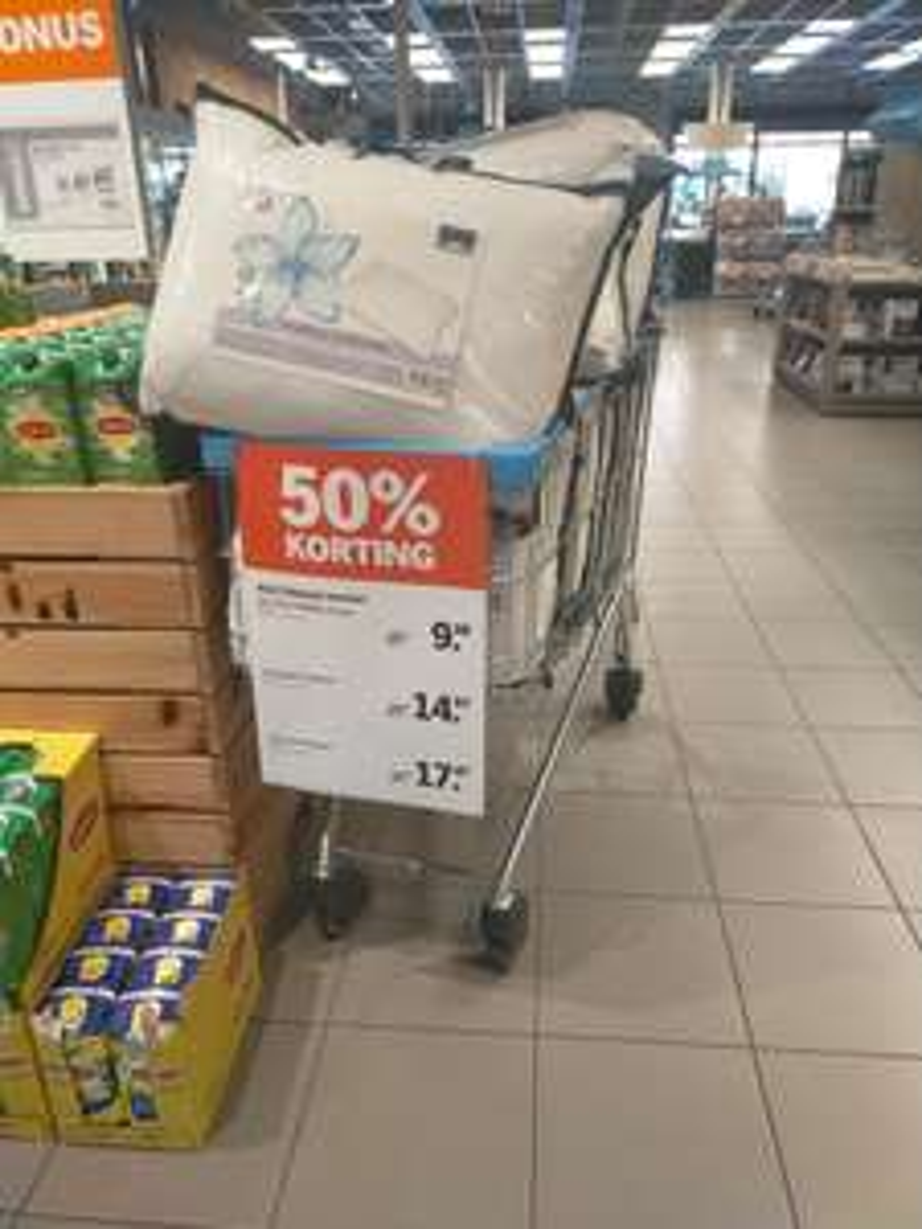 [lokaal] 50% korting op kussens @ Albert Heijn @ Ede Parkweide